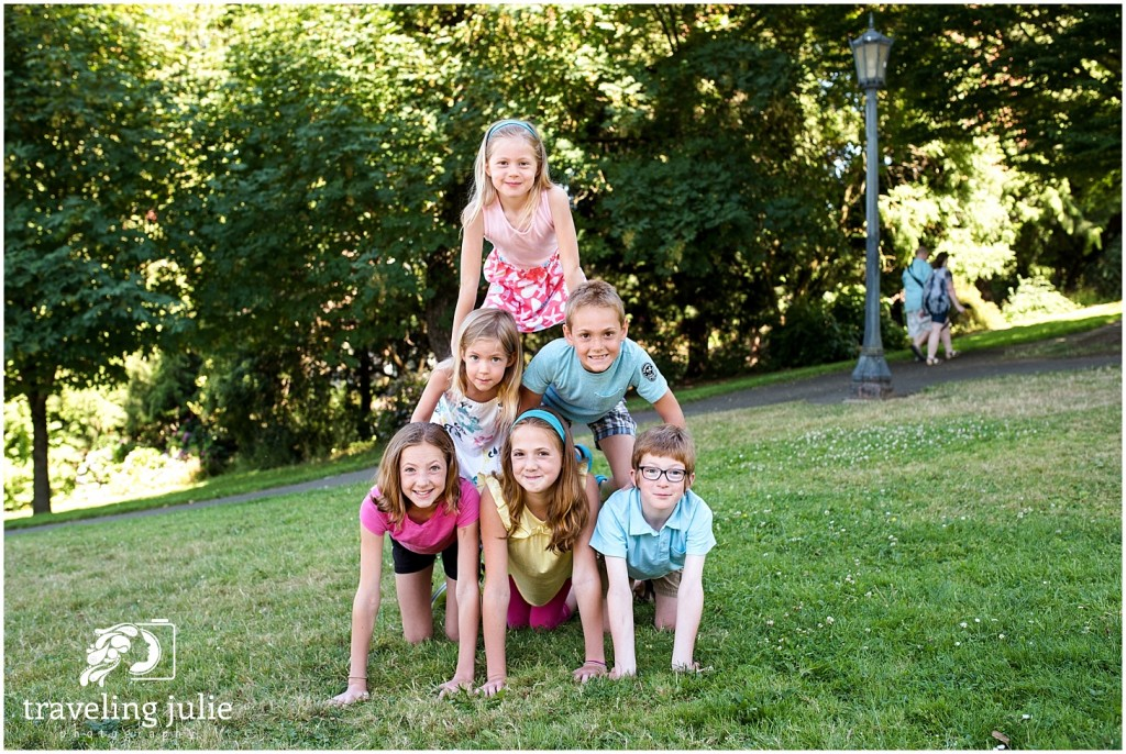 Cousin pyramid Cathedral Park Extended Family Photography