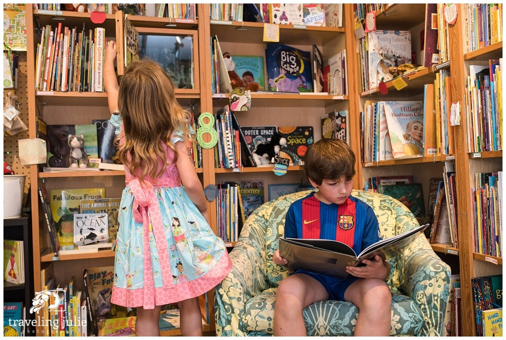 kids reading bookstore